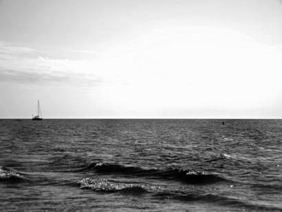 sailboat black and white