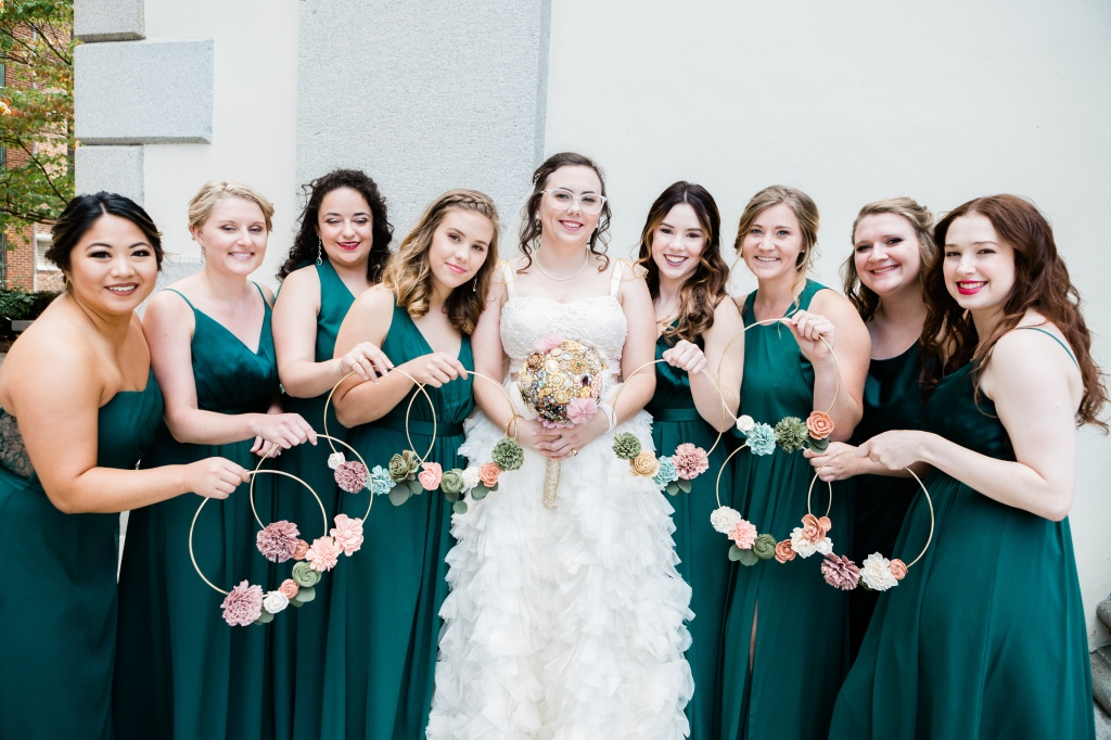 wedding picture with bridesmaids